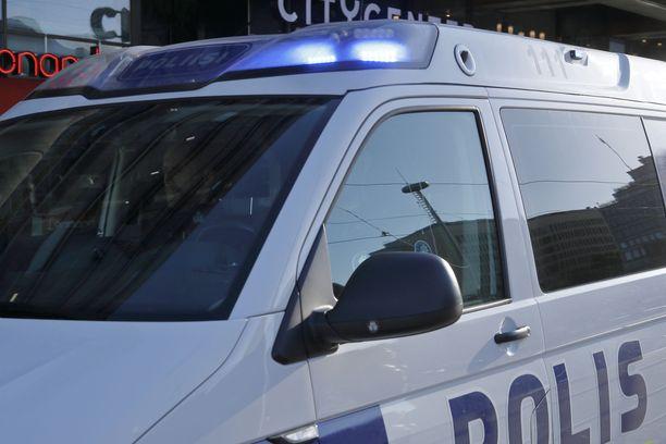 Sisä-Suomen poliisi pyytää yleisöltä apua tukiaseman tulipalon selvittämisessä Kangasalla.