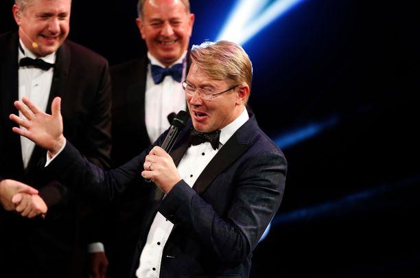 Mika Häkkinen palkittiin Gregor Grant Award -palkinnolla. Tänä vuonna tuli kuluneeksi 20 vuotta hänen ensimmäisestä maailmanmestaruudestaan.