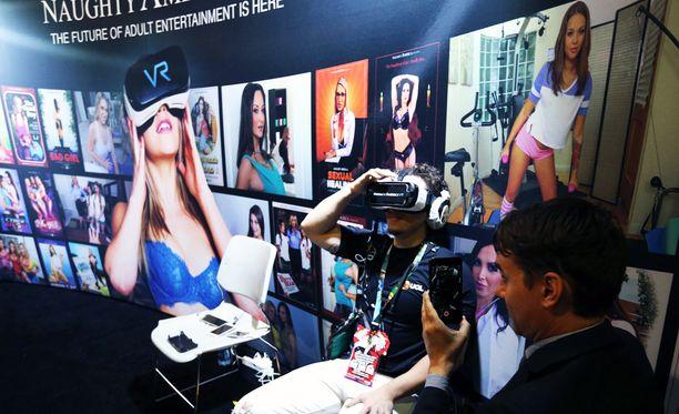 VR-aikuisviihdettä esittelyssä Yhdysvalloissa E3-messuilla Kaliforniassa kesäkuussa 2016.
