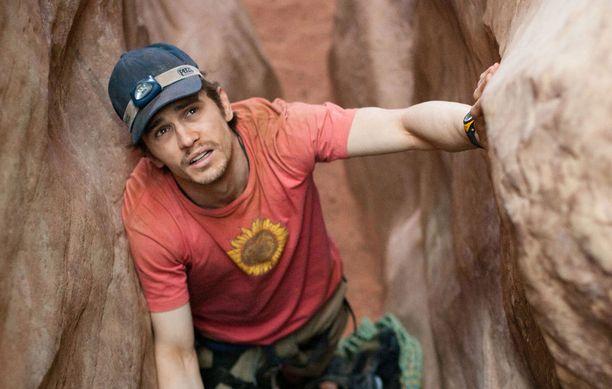 James Franco esittää Aron Ralstonia.