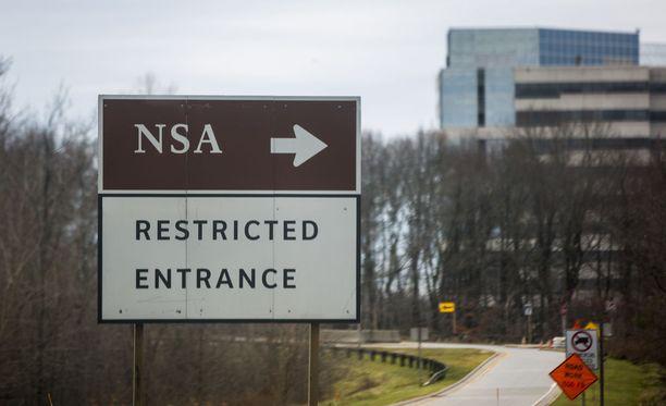 Viranomaiset eivät ole vielä kertoneet NSA:n portteihin törmänneessä autossa olleiden motiiveista. Kuvituskuva.