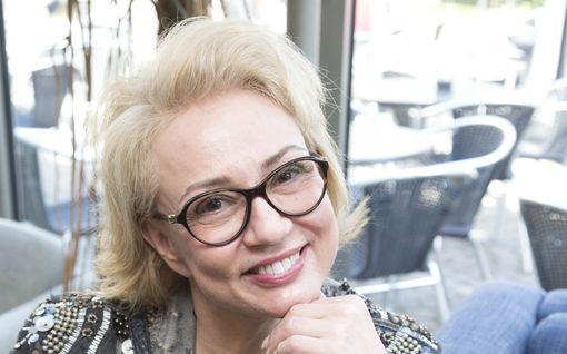 Ex-salkkaritähteä Susanna Indréniä syytetään lievistä pahoinpitelyistä
