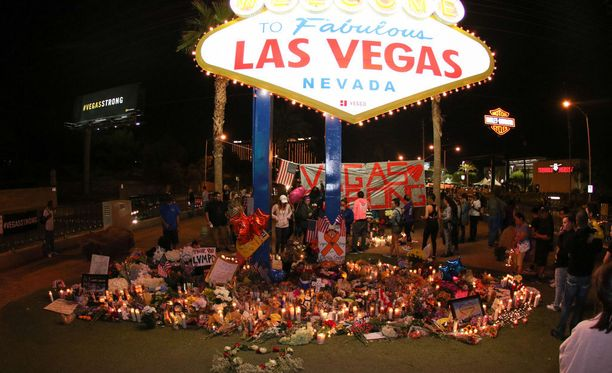 Surunvalitteluja Las Vegas -bulevardilla.