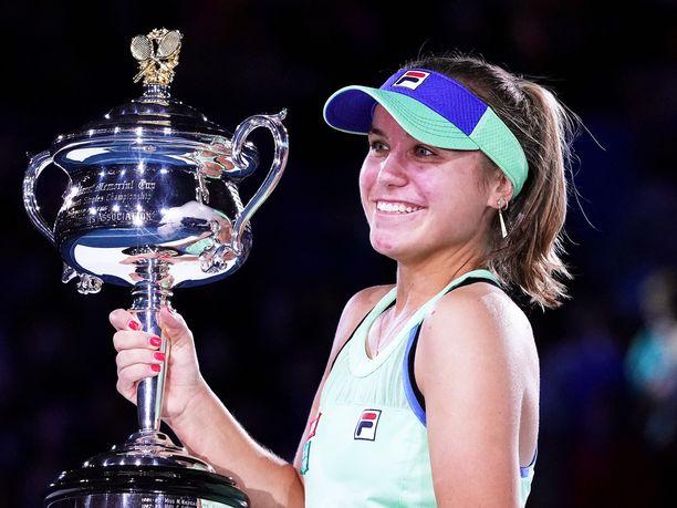 Sofia Kenin juhli Australian avointen voittoa.