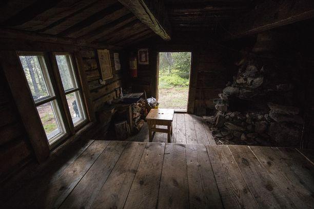 Kuvassa autiotupa Pallas-Yllästunturin kansallispuistossa.