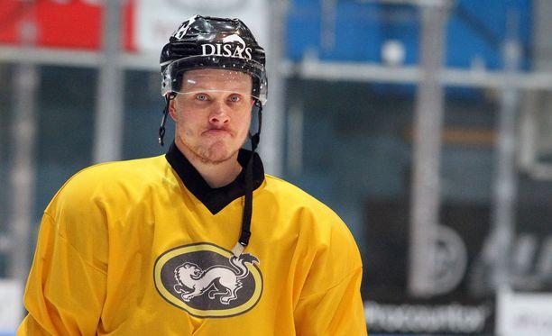Lasse Kukkonen haluaa auttaa.