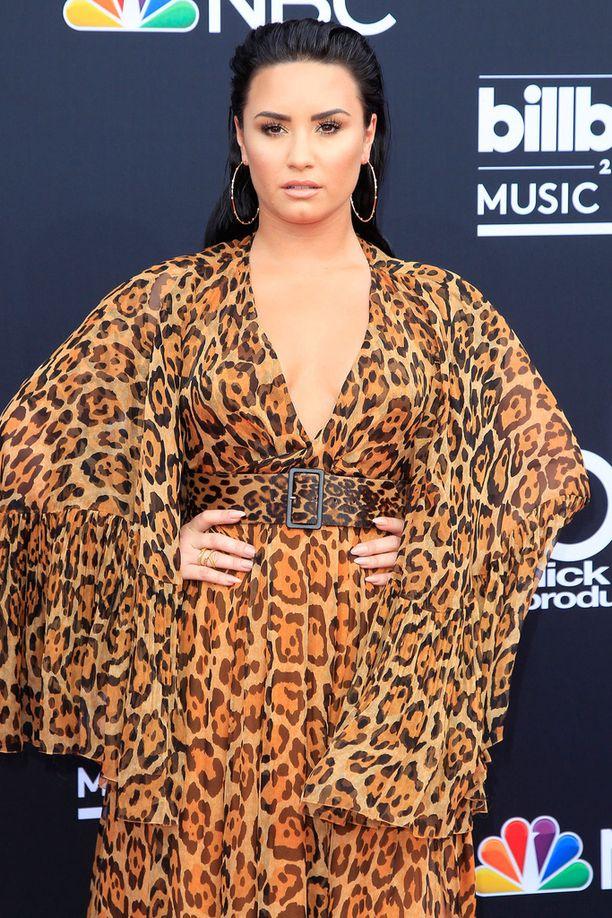 Demi Lovato joutui sairaalaan löydyttyään kotoaan tajuttomana.