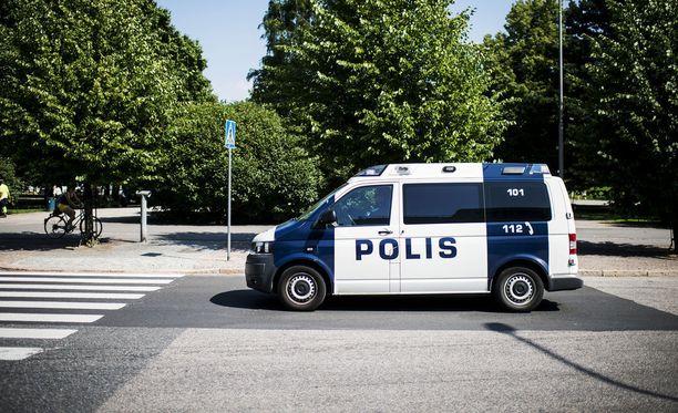 Poliisi valvoo liikennettä tehostetusti ensimmäisinä koulupäivinä.