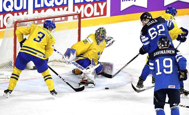 Oskar Osala edusti Suomea Pariisin ja Kölnin MM-jäillä.