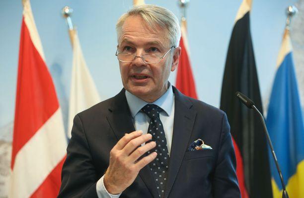 Ulkoministeri Pekka Haaviston (vihr) mukaan Suomen linjana on se, että Isis-taistelijat pitää tuomita niissä maissa, joissa rikokset ovat tapahtuneet.