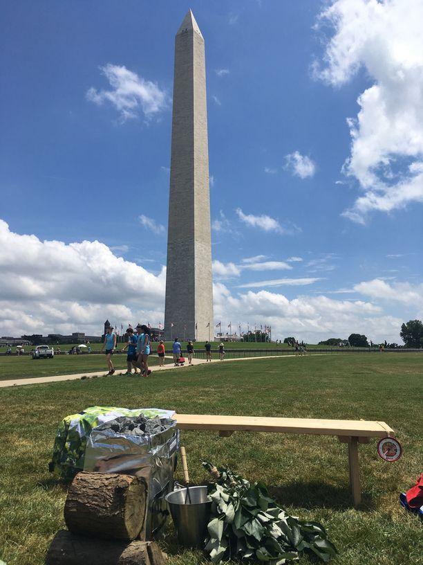 Suomalaisjuhlaa vietettiin tunnetun maamerkin Washington monumentin katveessa pääkaupungin keskustassa.