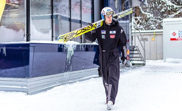 Norjan Kenneth Gangnes taistelee kilpailun voitosta.
