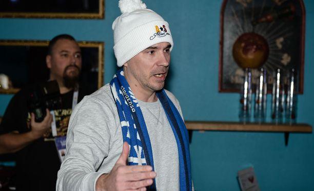 Aleksi Valavuoren pipomyyntikampanjalla kerätään hänen mukaansa rahaa Suomen hiihdolle.