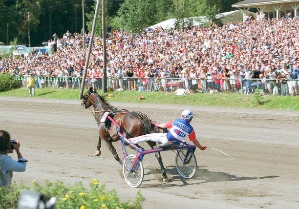 Varennen ja Giampaolo Minnuccin voitto vuoden 2002 St Michelissä on merkittävin Suomessa ajettu ravilähtö. Varennen Mikkelissä juoksema maailmanennätys oli voimassa yli kymmenen vuotta.