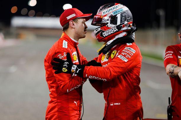 Charles Leclerc oli tallikaveriaan Sebastian Vetteliä nopeampi lauantaina.