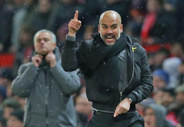 Pep Guardiola on voittanut José Mourinhon jo kymmenen kertaa. Kaksikko tutustui toisiinsa Mourinhon toimiessa Barcelonan valmennusringissä Guardiolan pelivuosina.