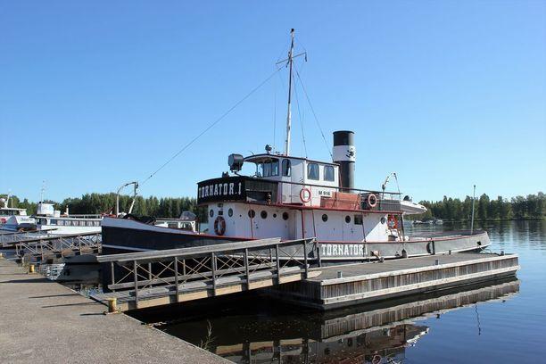 Sukeltajien käyttämä alus kuvattuna Mikkelissä vuonna 2015.