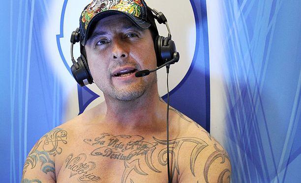 Esko sai nauttia radiotyöstä SuomiPOPilla yhdeksän kuukautta.