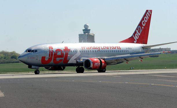 Jet2:n lento oli matkalla Birminghamista Ibizalle, kun se joutui tekemään hätälaskun Toulouseen Ranskaan.