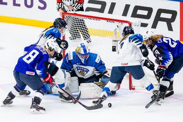 Suomi taisteli upeasti USA:a vastaan, mutta taipui tuomarienkin avustuksella.