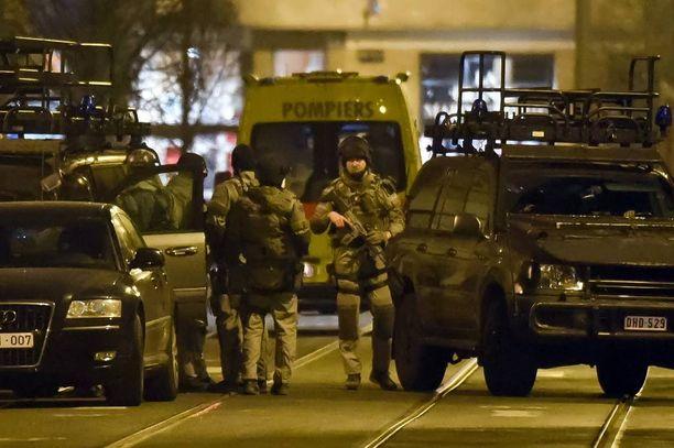 Belgian poliisi aloitti erikoisoperaationsa Brysselissä tiistaina.