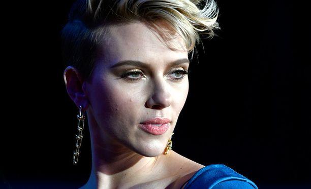 Scarlett Johansson tunnetaan muun muassa elokuvista Lost in Translation, Tyttö ja helmikorvakoru, Match Point ja Vicky Cristina Barcelona.