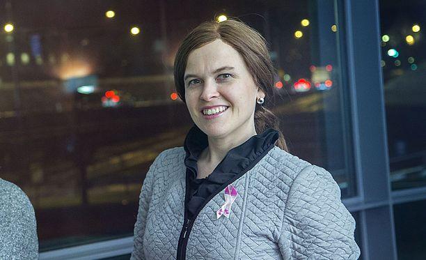 Kansanedustaja Mari-Leena Talvitie aikoo tuunata hääpukunsa Linnan juhliin.