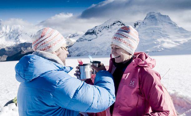 Antti Reini ja Leena Harkimo lähtivät viimeisessä jaksossa kohti Tocllaraju-vuoren huippua.