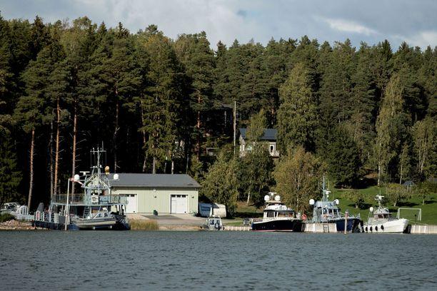 Pavel Melnikov tunnetaan Airiston Helmen omistajana. Kuvassa kohuyhtiön venelaitureita syksyllä 2018.