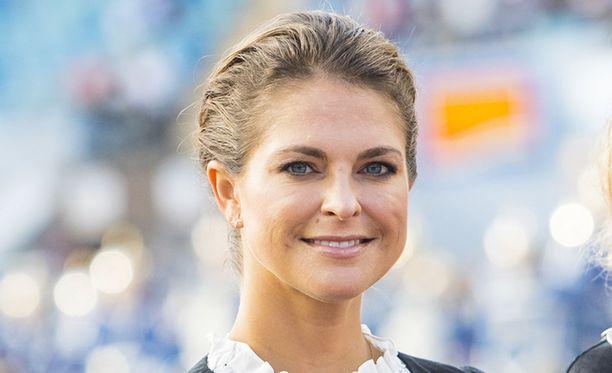 Prinsessa Madeleine ilmoitti sunnuntaina odottavansa aviomiehensä Chris O'Neillin kanssa kolmatta lasta.