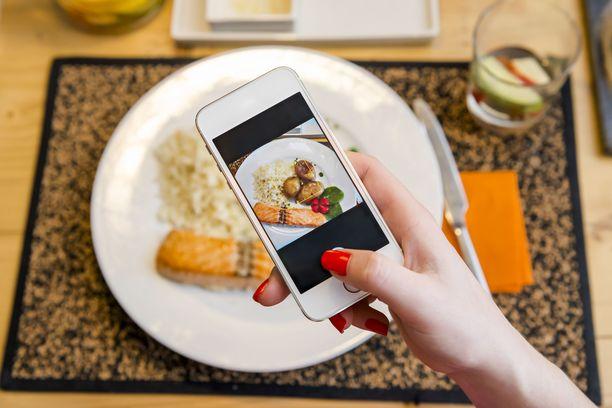 Ruokakuvien lataaminen Instagramiin oli vaikeaa keskiviikkona.