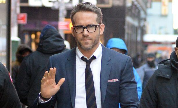Kuultuaan faninsa toiveesta, näyttelijä järjesti puhelun Deadpool 2 -elokuvan kuvaksista.