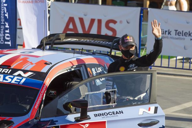 Sebastien Loeb nousi Hyundailla palkinnoille kaksi kertaa.