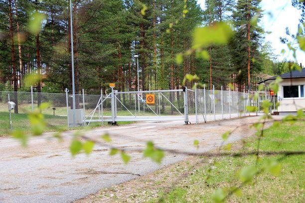Hollantilainen kiinteistösijoitusyhtiö NxtVn osti Hallin lakkautetun varuskunta-alueen Senaatti-kiinteistöiltä 450 000 eurolla syyskuussa 2015.
