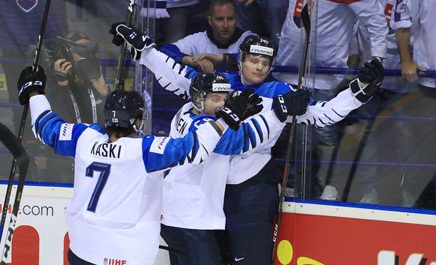 Kaapo Kakko on aloittanut MM-kisat häikäisevästi.
