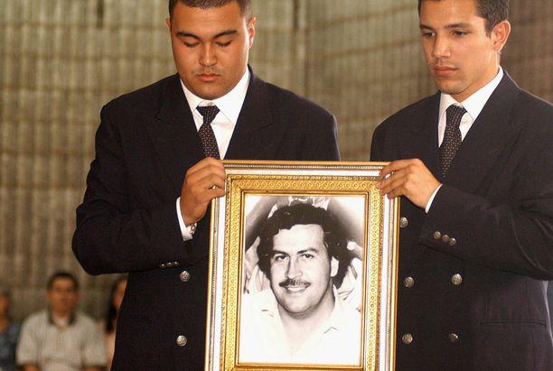 Pablo Escobar (kuvassa) on yhä suosittu Medellinissä.