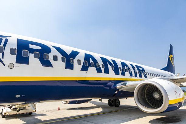 Ryanair on laiminlyönyt koronavirukseen liittyviä ohjeistuksia.