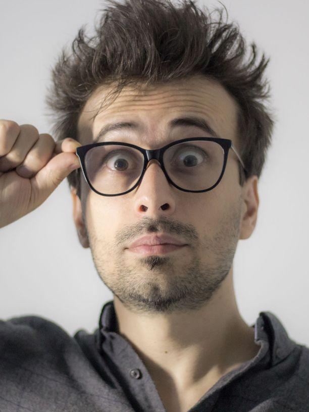 Silmälaseja kannattaa käyttää, jos niille on tarvetta.