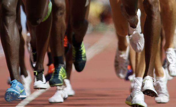 Entisten kenialaisjuoksijoiden mukaan urheilijoita varoitettiin dopingtesteistä etukäteen ja positiiviset tulokset oli mahdollista hävittää rahallista korvausta vastaan.
