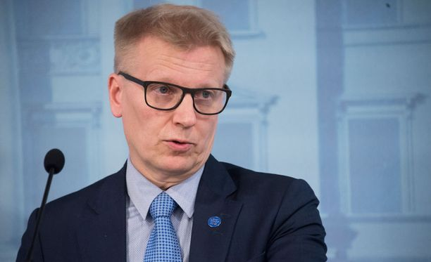 Maatalous- ja ympäristöministeri Kimmo Tiilikainen.