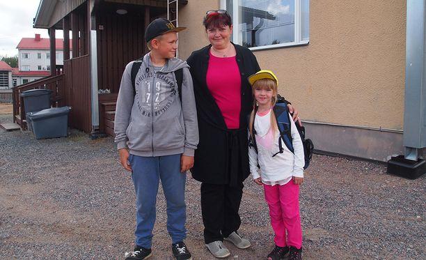 - Mielestäni kunnan päättäjät eivät ole ottaneet keskuskoulun ja Tykköön koulun sisäilmaongelmia tarpeeksi vakavasti, Vilin ja Viivin äiti Sari Tanttinen sanoo.