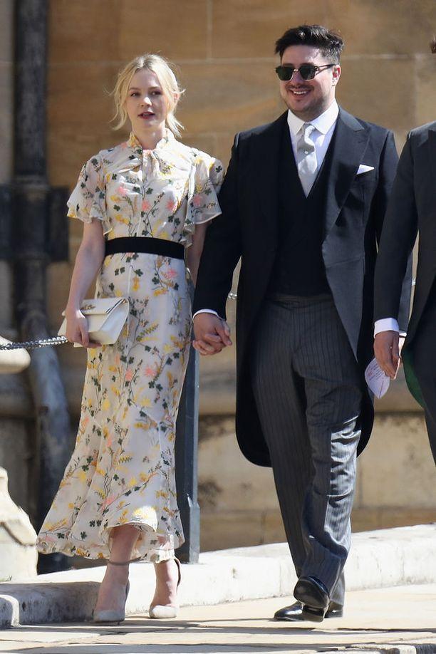 Carey Mulligan Marcus-puolisonsa kanssa prinssi Harryn ja herttuatar Meghanin häissä.
