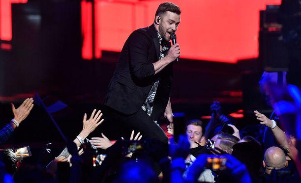 Justin Timberlake esiintyi Euroviisuissa.