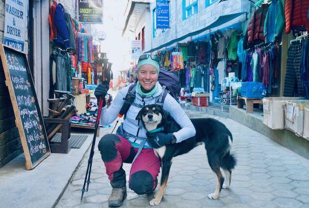 Anni Penttilä kuvailee, että Baru-koirasta tuli retkikunnan tiimin jäsen.