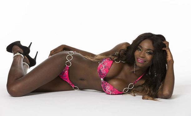 Upea Kelly Kalonji voitti Miss Tourism -kilpailun Best Swimsuit -kategorian.