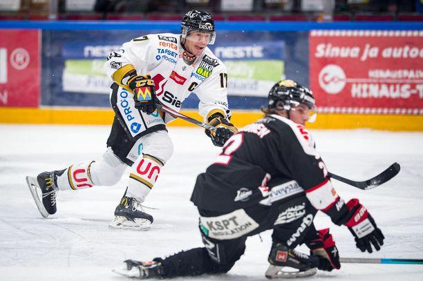 SM-liiga joutui kolmen viikon tauolle pahentuneen koronavirustilanteen takia.