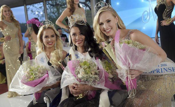 Shirly Karvinen on uusi Miss Suomi. Perintöprinsessat ovat Heta Sallinen ja Emilia Seppänen.