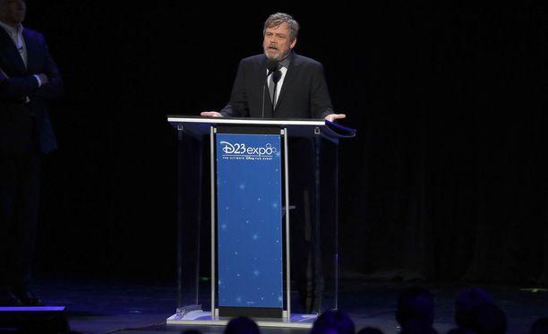 Mark Hamill puhui faniyleisölle Disneyn järjestämässä D23-tapahtumassa Kaliforniassa.