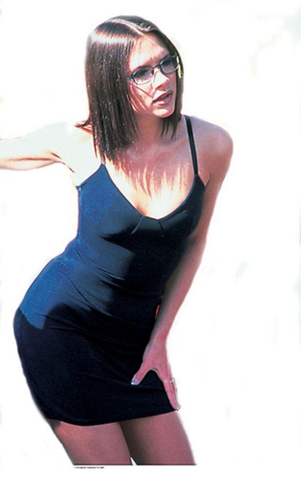 INFLAATIO? Posh-Spice Victoria Beckham käytti Spice Girlsin aikoina niin usein pikkumustaa, että mekko kärsi lähes inflaation.