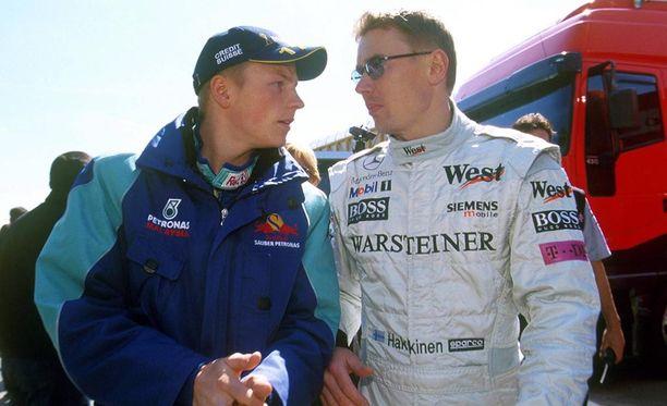 Räikkönen sai debyyttikaudellaan ohjeita myös Mika Häkkiseltä.